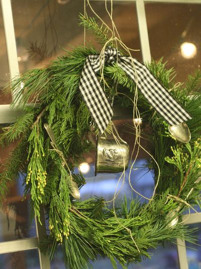 Original_holly-mathis-holiday-wreath-with-gold-spoons_s3x4_lg