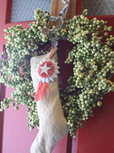 Original_holly-mathis-burlap-sack-stocking-and-wreath_s3x4_lg
